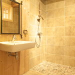 Salle de bain Fraîcheur de la rosée (Racoarea rouai)